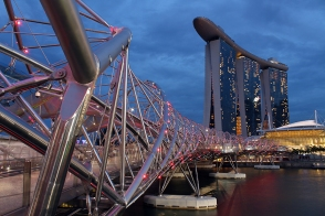 Marina Bay Sands + Helix Bridge (Singapore)