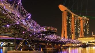Marina Bay Sands + Helix Bridge (Singapore)