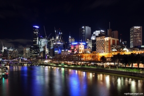 Yarra River & Flinders Street Station