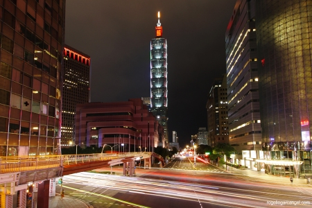 Xinyi Road Light Trails (Taipei)
