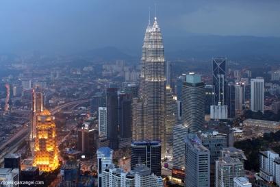 Petronas Towers + KLCC (Kuala Lumpur)
